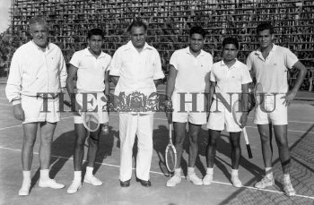 Image Id : 156456155 <span>Date : 1962-11-28 <span>Category : Sport</span>