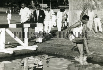 Image Id : 156873535 <span>Date : 1963-11-09 <span>Category : Sport</span>