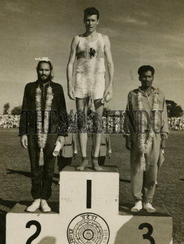 Image Id : 157010685 <span>Date : 1962-11-09 <span>Category : Sport</span>
