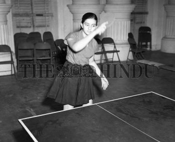 Image Id : 157070160 <span>Date : 1957-11-10 <span>Category : Sport</span>