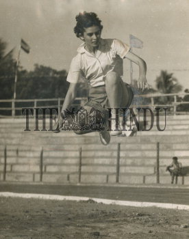 Image Id : 157146044 <span>Date : 1959-02-13 <span>Category : Sport</span>
