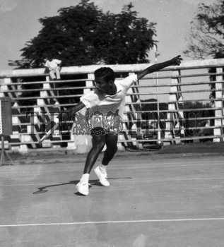 Image Id : 157294475 <span>Date : 1957-02-08 <span>Category : Sport</span>