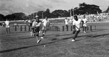 Image Id : 157319448 <span>Date : 1956-12-22 <span>Category : Sport</span>
