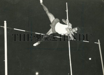 Image Id : 157351929 <span>Date : 1967-12-09 <span>Category : Sport</span>