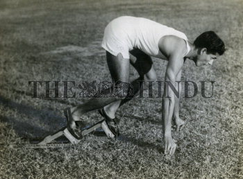 Image Id : 157504615 <span>Date : 1954-01-09 <span>Category : Sport</span>