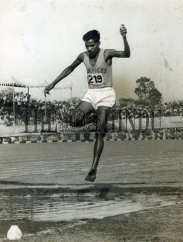 Image Id : 157657857 <span>Date : 1956-02-28 <span>Category : Sport</span>