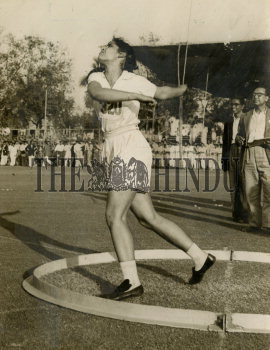 Image Id : 157709410 <span>Date : 1957-01-08 <span>Category : Sport</span>