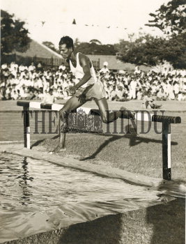 Image Id : 157919269 <span>Date : 1958-12-20 <span>Category : Sport</span>