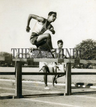 Image Id : 158204113 <span>Date : 1957-03-30 <span>Category : Sport</span>