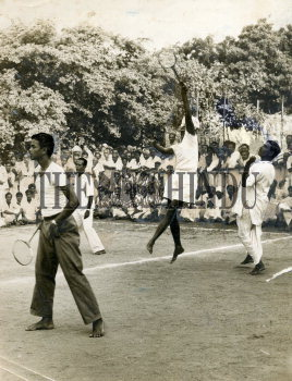 Image Id : 159046267 <span>Date : 1957-08-31 <span>Category : Sport</span>