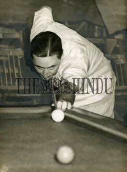 Image Id : 159199051 <span>Date : 1949-04-02 <span>Category : Sport</span>