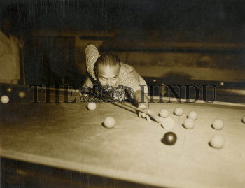 Image Id : 159223481 <span>Date : 1955-09-28 <span>Category : Sport</span>