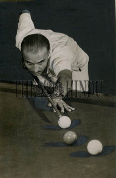 Image Id : 159292188 <span>Date : 1948-04-10 <span>Category : Sport</span>