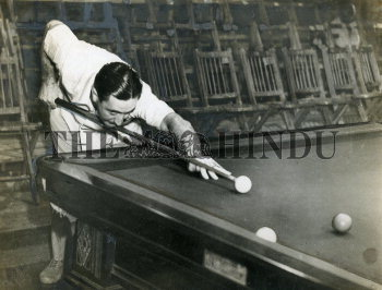 Image Id : 159292613 <span>Date : 1949-04-02 <span>Category : Sport</span>