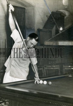 Image Id : 159292666 <span>Date : 1949-04-16 <span>Category : Sport</span>