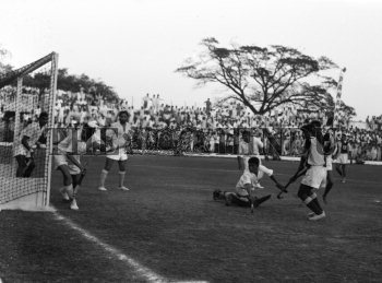 Image Id : 159782475 <span>Date : 1963-03-11 <span>Category : Sport</span>