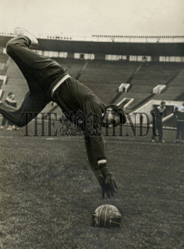 Image Id : 160587799 <span>Date : 1965-11-28 <span>Category : Sport</span>