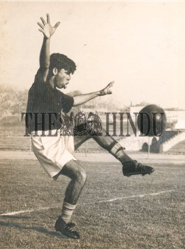 Image Id : 161010682 <span>Date : 1958-05-24 <span>Category : Sport</span>