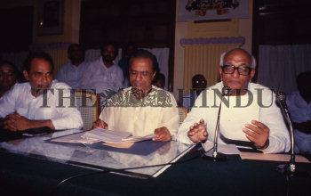 Image Id : 161119326 <span>Date : 1988-05-04 <span>Category : Politics</span>