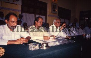 Image Id : 161119342 <span>Date : 1988-05-04 <span>Category : Politics</span>