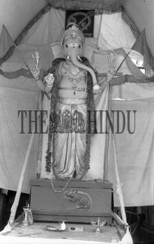 Image Id : 161423151 <span>Date : 1987-08-29 <span>Category : Religion and Belief</span>