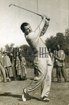 Image Id : 162344258 <span>Date : 1956-01-16 <span>Category : Sport</span>