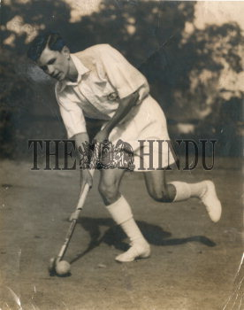 Image Id : 162696589 <span>Date : 1953-05-30 <span>Category : Sport</span>