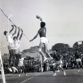 Image Id : 163396104 <span>Date : 1963-12-27 <span>Category : Sport</span>