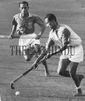 Image Id : 163611075 <span>Date : 1963-03-04 <span>Category : Sport</span>