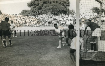 Image Id : 163637936 <span>Date : 1962-03-11 <span>Category : Sport</span>