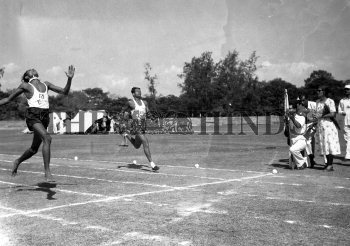 Image Id : 163896726 <span>Date : 1956-01-21 <span>Category : Sport</span>