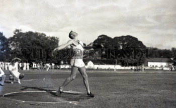 Image Id : 163896741 <span>Date : 1955-10-29 <span>Category : Sport</span>