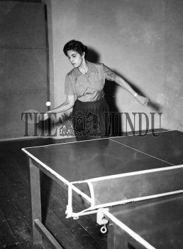 Image Id : 164038525 <span>Date : 1955-10-28 <span>Category : Sport</span>