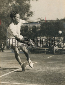 Image Id : 165585857 <span>Date : 1951-12-29 <span>Category : Sport</span>