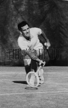 Image Id : 165771438 <span>Date : 1959-01-03 <span>Category : Sport</span>