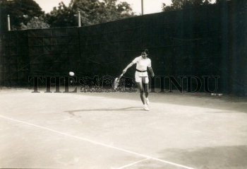 Image Id : 165930562 <span>Date : 1953-01-10 <span>Category : Sport</span>