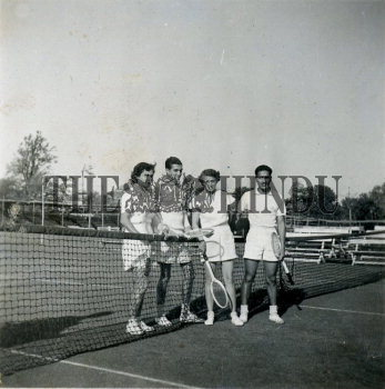 Image Id : 166019401 <span>Date : 1950-12-30 <span>Category : Sport</span>