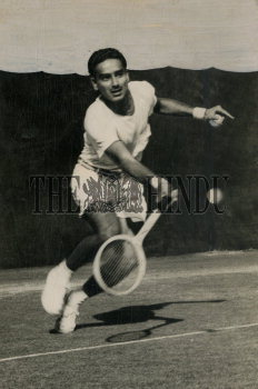 Image Id : 166080376 <span>Date : 1952-12-30 <span>Category : Sport</span>