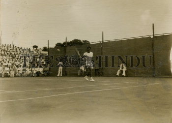 Image Id : 166080387 <span>Date : 1952-02-19 <span>Category : Sport</span>