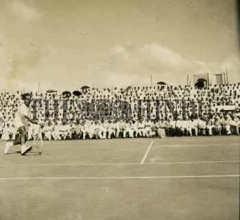 Image Id : 166080403 <span>Date : 1952-02-19 <span>Category : Sport</span>
