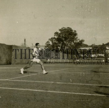 Image Id : 166080412 <span>Date : 1954-01-03 <span>Category : Sport</span>