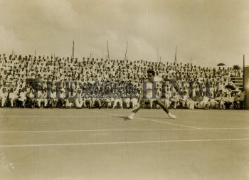 Image Id : 166080415 <span>Date : 1952-02-19 <span>Category : Sport</span>