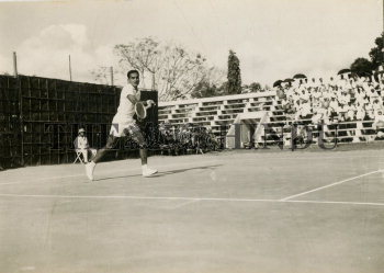 Image Id : 166135512 <span>Date : 1957-03-01 <span>Category : Sport</span>