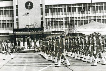 Image Id : 198550457 <span>Date : 1990-12-15 <span>Category : Politics</span>